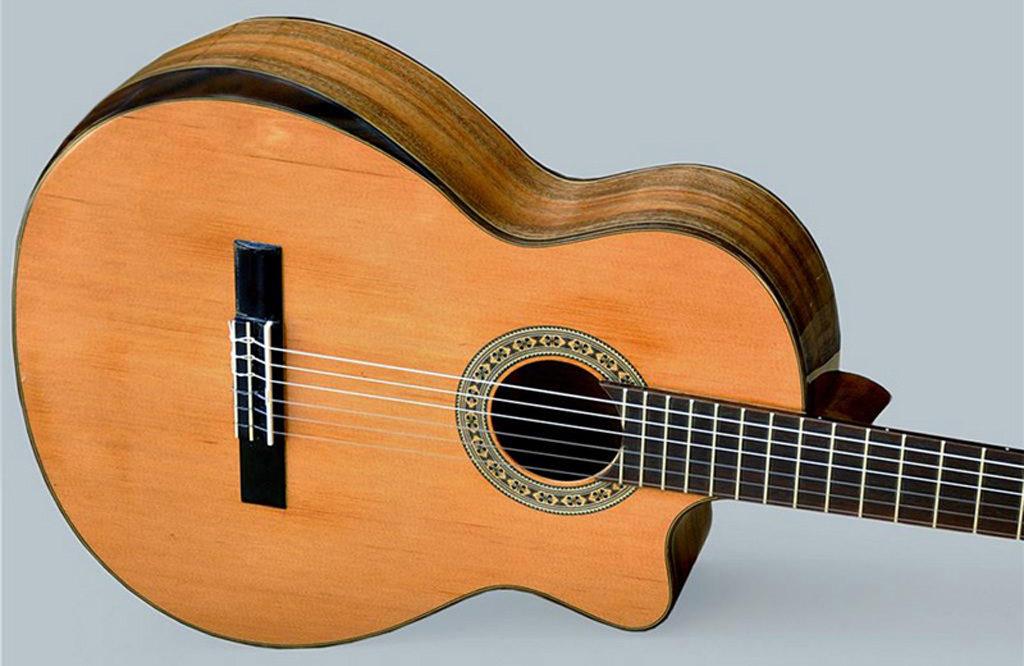 làm sao để biết đàn guitar bạn mua có âm thanh đạt chuẩn hay không?