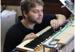 cách sử dụng piano cơ lâu dài
