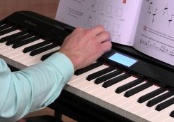 học đánh đàn piano điện
